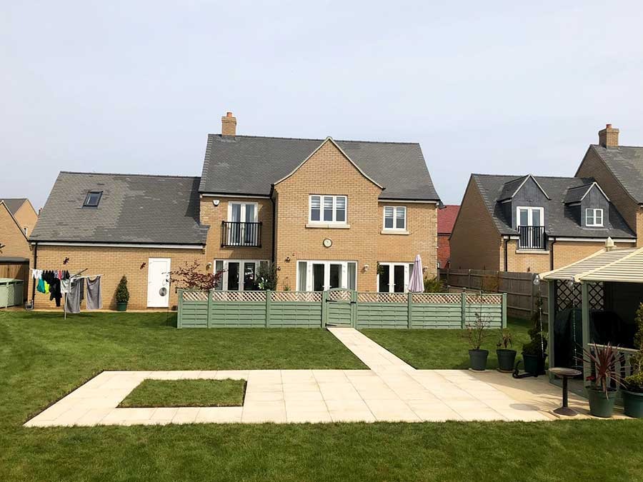Paved feature area in large Oxfordshire garden