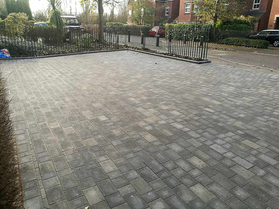 The completed shared driveway with new Brett Trio block paving in Sliver Haze colour